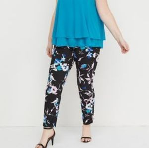 Pants - NWT 22R The Allie Sexy Stretch Skinny Ankle Floral